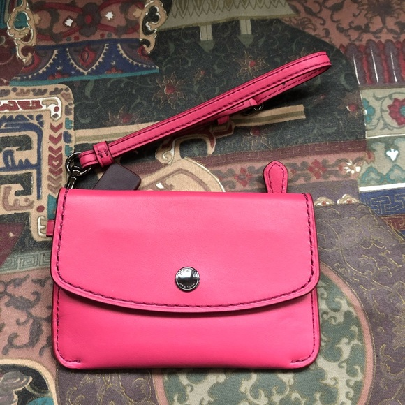 ON HOLD Coach glovetanned leather card key pouch